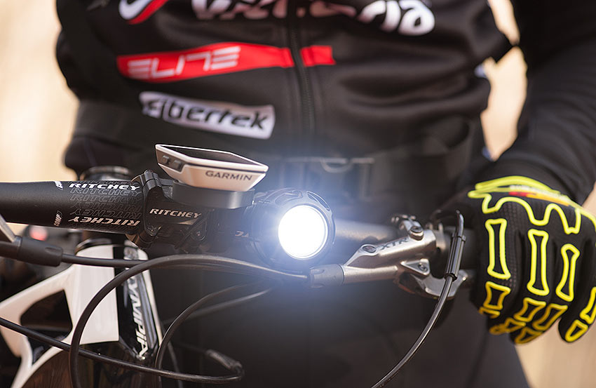 tips for bikers lights and gloves